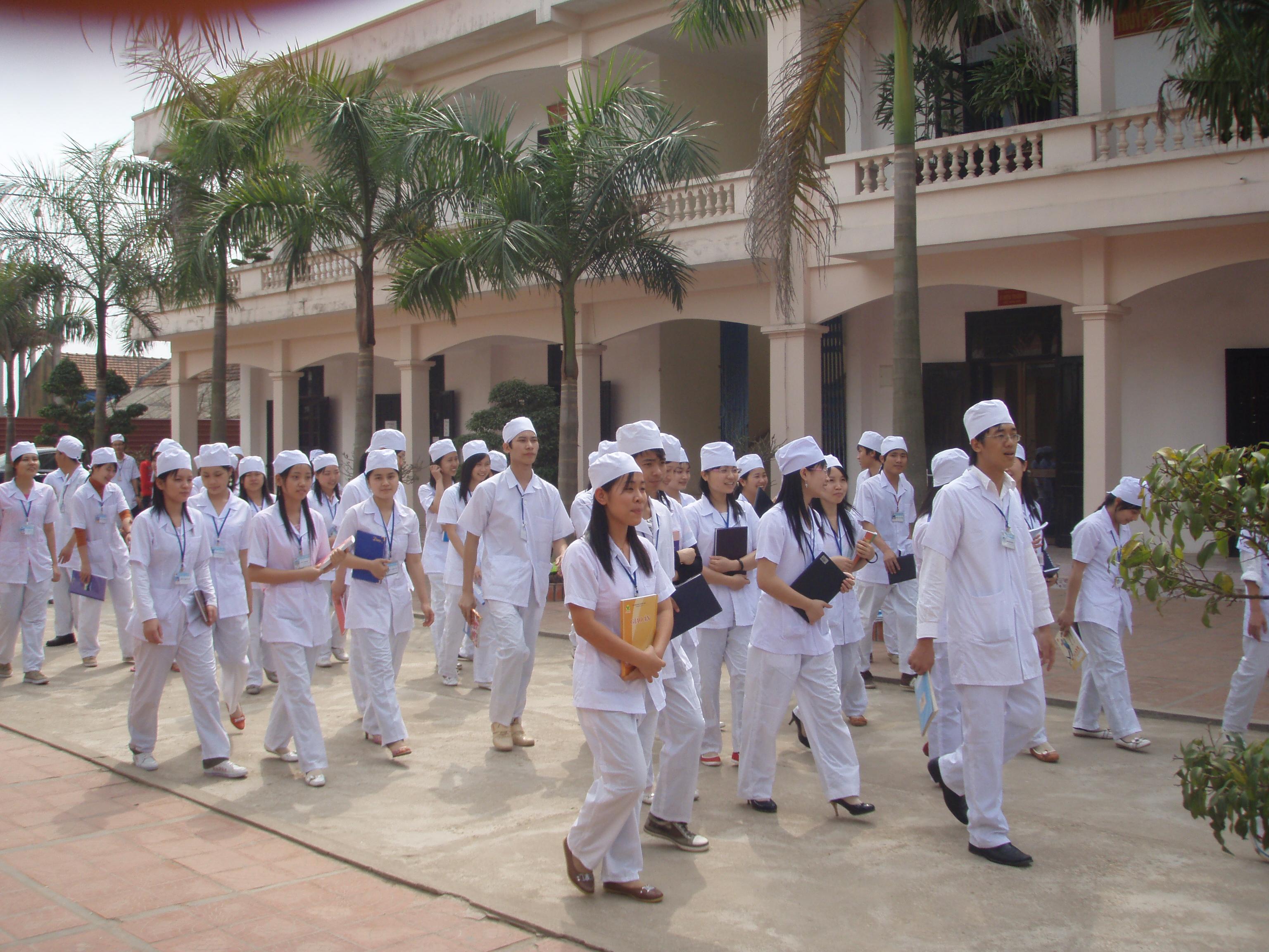 Liên thông trường Cao đẳng dược Hà Nội thu hút thí sinh