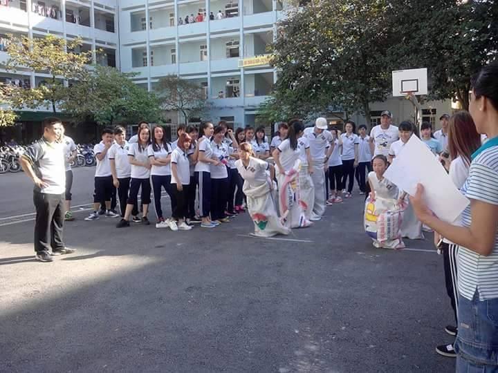 Sinh viên Điều dưỡng tham gia hoạt động ngoại khóa