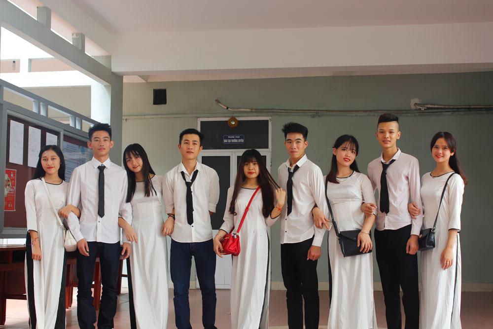 khoang-khac-ngay-khai-giang-nam-2016-2017-13