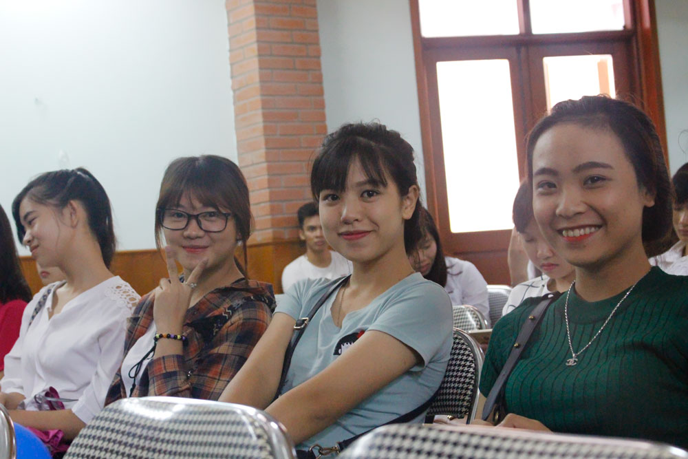 khoang-khac-ngay-khai-giang-nam-2016-2017-25