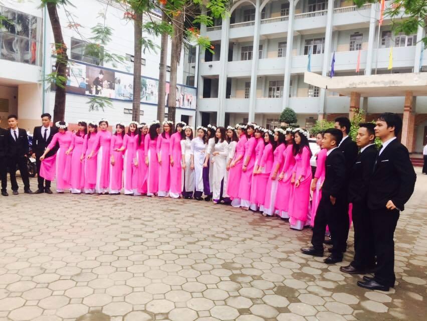 Sinh viên Cao đẳng Công nghệ và Thương mại Hà Nội ngày tốt nghiệp