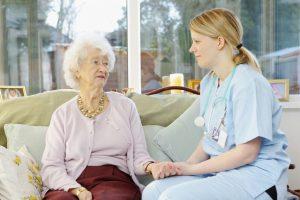 Nghề Điều dưỡng – Cơ hội làm việc tại nước ngoài thu nhập cao