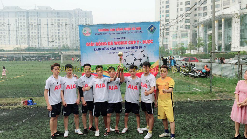 Đội bóng Nam đoạt cúp vô địch