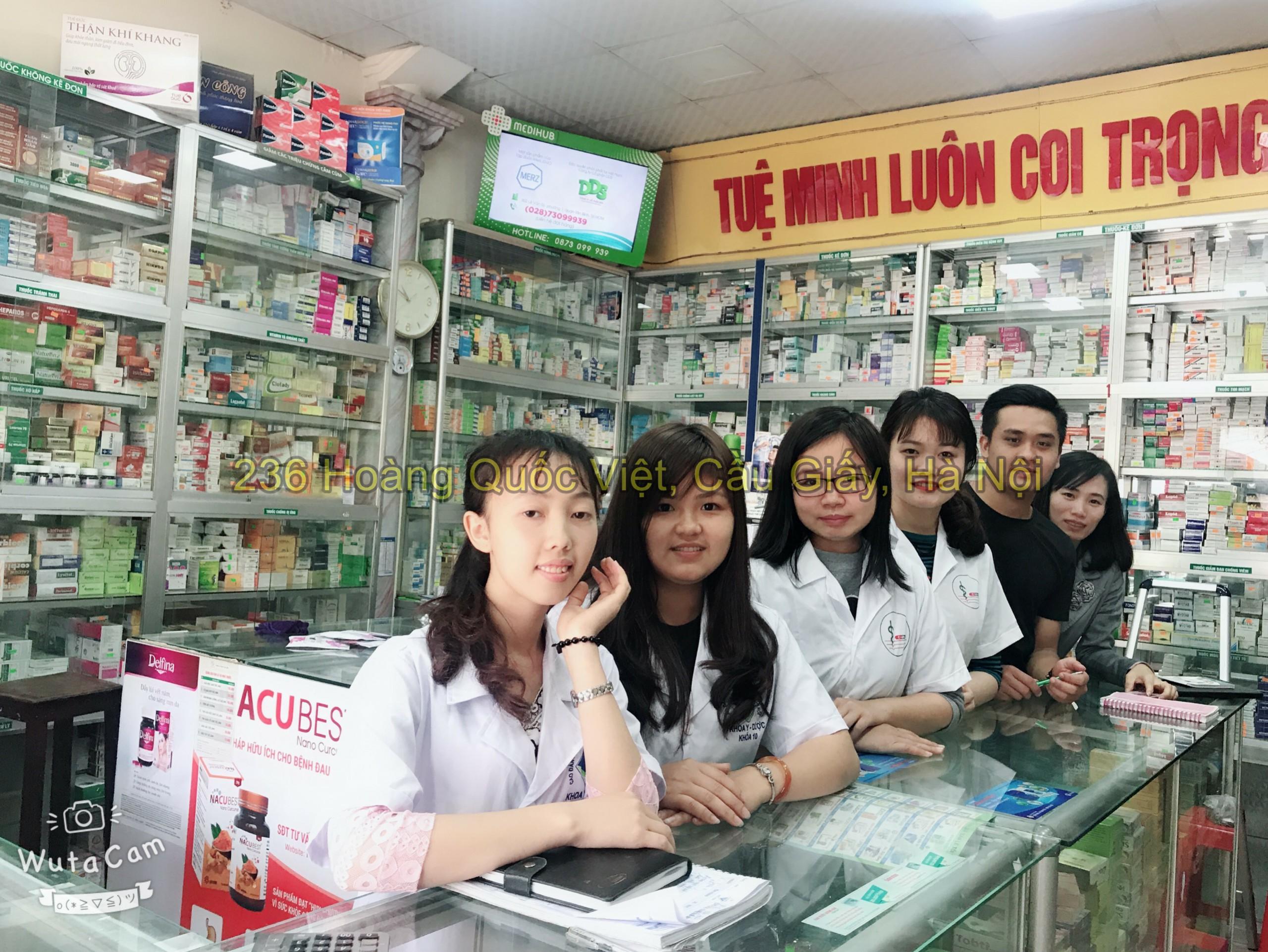 Sinh viên đi thực tập tại Nhà thuốc