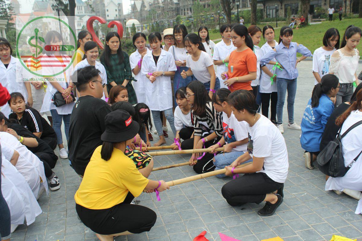 Hoạt động vui chơi của sinh viên tại Tam Đảo