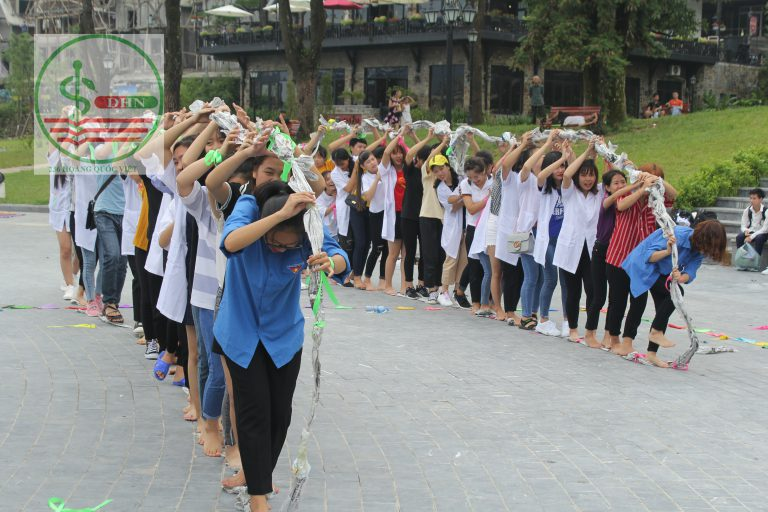 Hoạt động vui chơi của sinh viên
