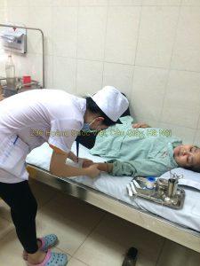 Sinh viên điều dưỡng thực tập bệnh viện E trung ương