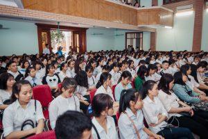 Sinh viên cao đẳng y dược hà nội