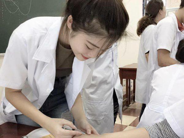 Học Cao đẳng điều dưỡng ở đâu