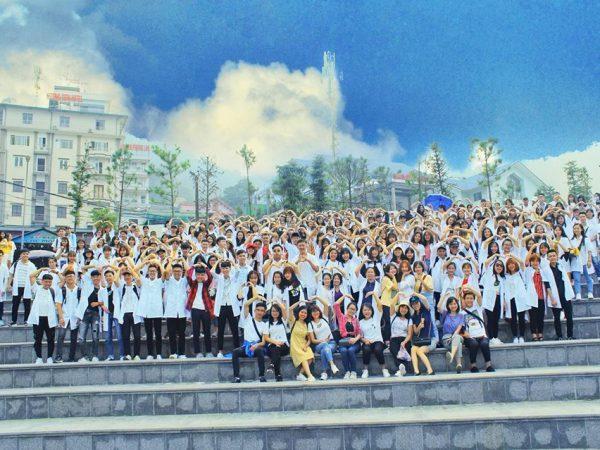 Sinh viên cao đẳng dược đi dã ngoại Tam Đảo